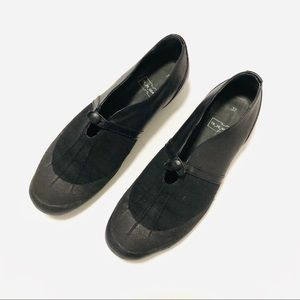 Tracey Neuls TN29 Homage Black Canvas Flats